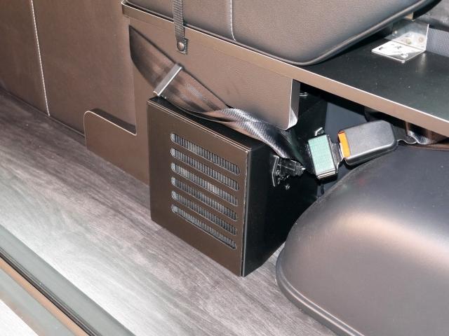 ハイエース内装カスタム FD-BOX2_T リアヒーター移設