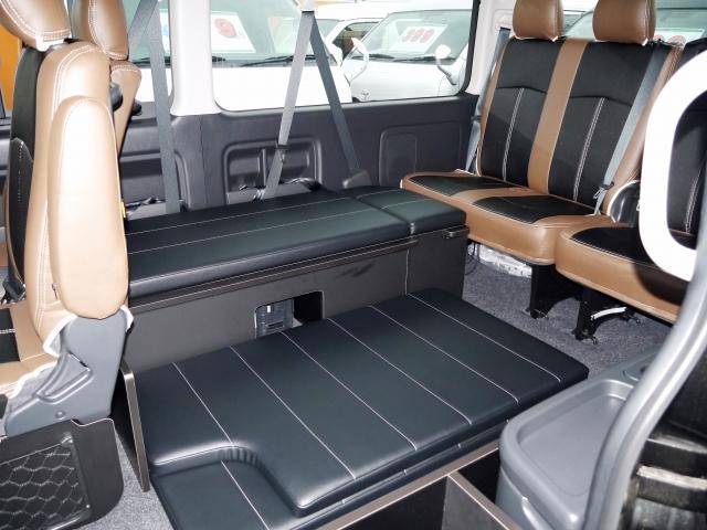 ハイエース200系ワゴンGL用ベッドキット 乗車時