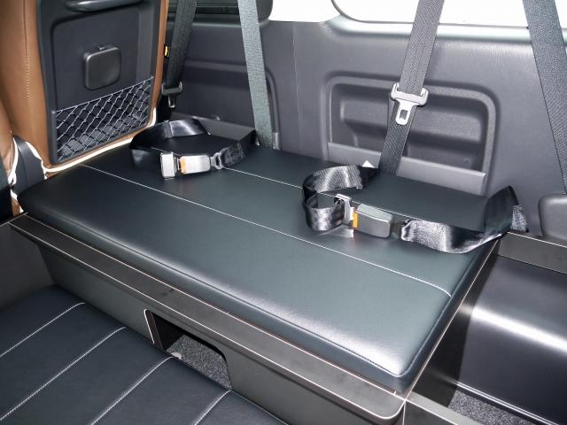 ハイエース200系ワゴンGL用ベッドキット 3列目横乗り式シート